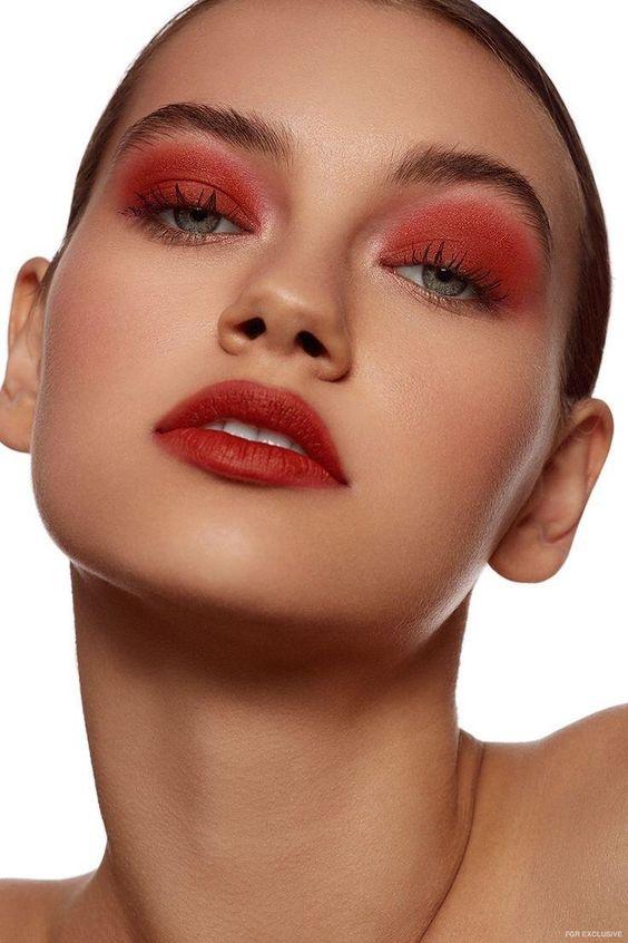maquillaje rojo