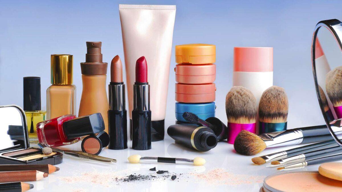 que evitar en el maquillaje si tienes piel seca